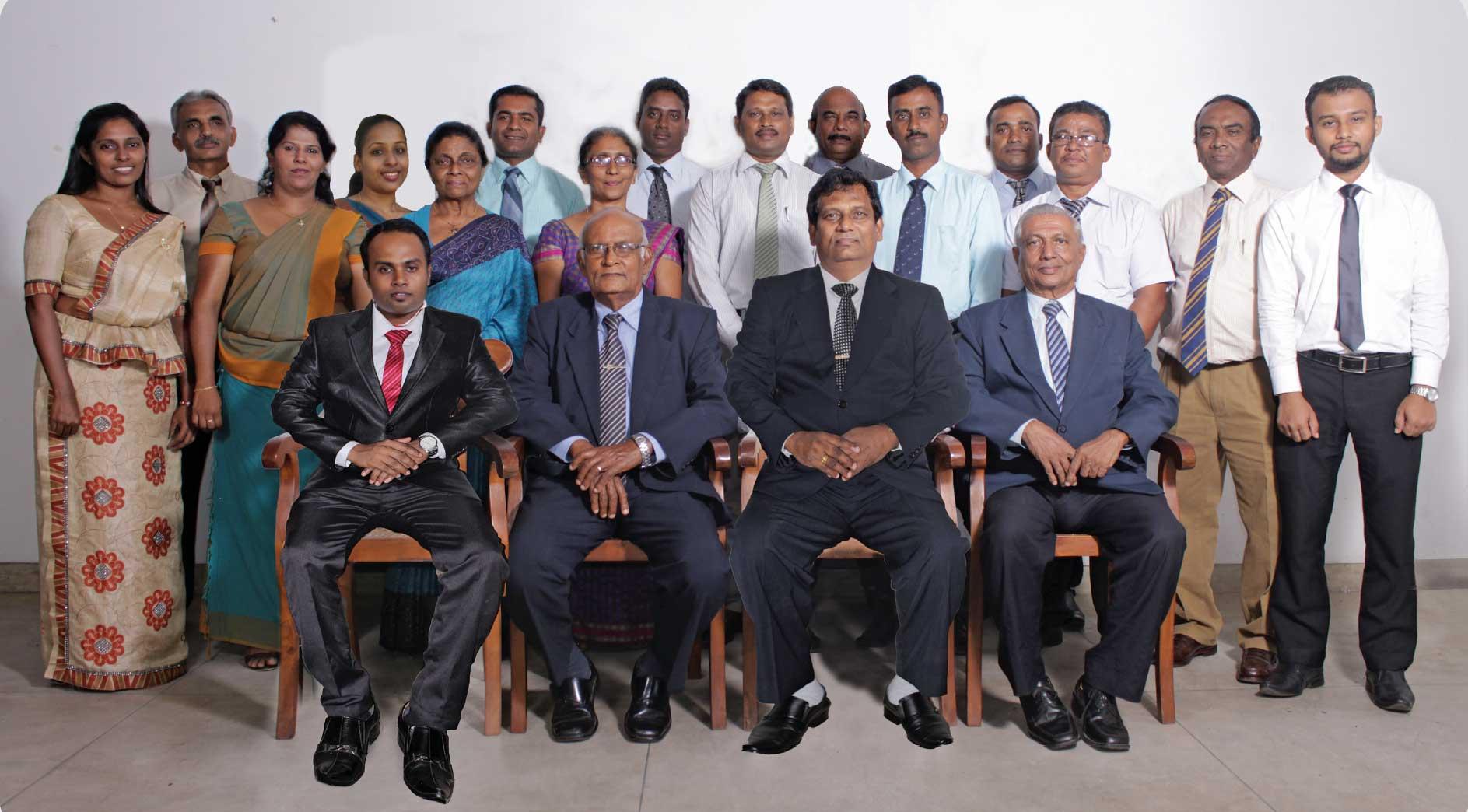 staff-group-2016